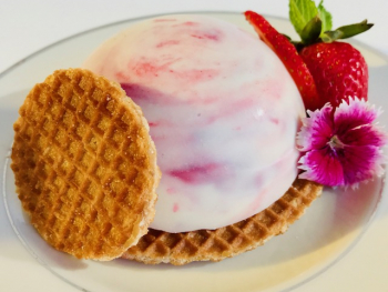 Strawberry Stroopwafel Mousse